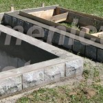 jednohrob podezdivka coklový kámen